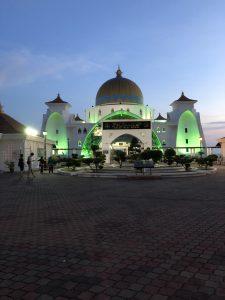 マラッカ海峡モスクのライトアップ